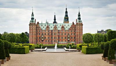 Frederiksborg Castle - summer